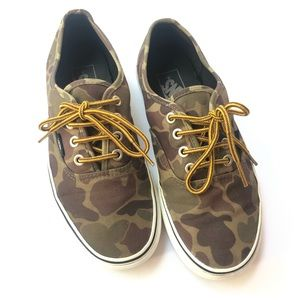 Vans camouflage sneakers size 6 woodland